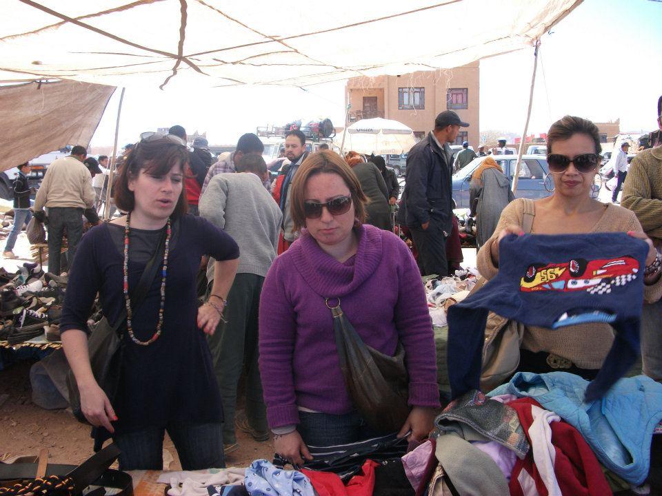 Regatear compras em Marrocos no mercado