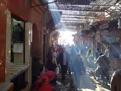 Rua na medina de Marrakech