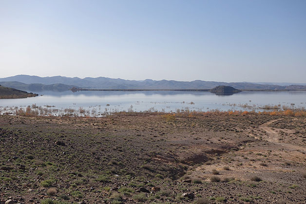Lago Al-Mansour Ad-Dahbi em Ouarzazate