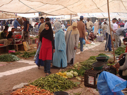 Foto do Mercado de Domingo de Ouarzazate, Marrocos