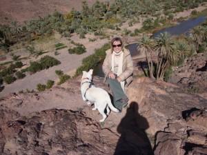 Rita Leitão com cadela Jana no Oásis de Fint